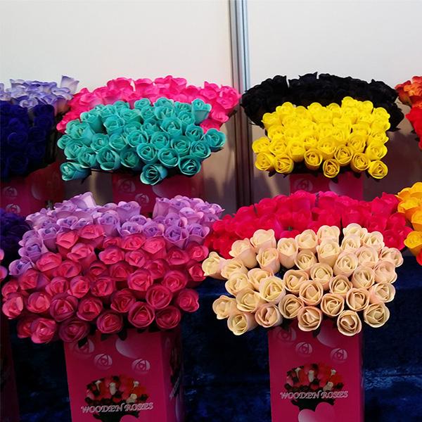 600-half-open-wooden-roses