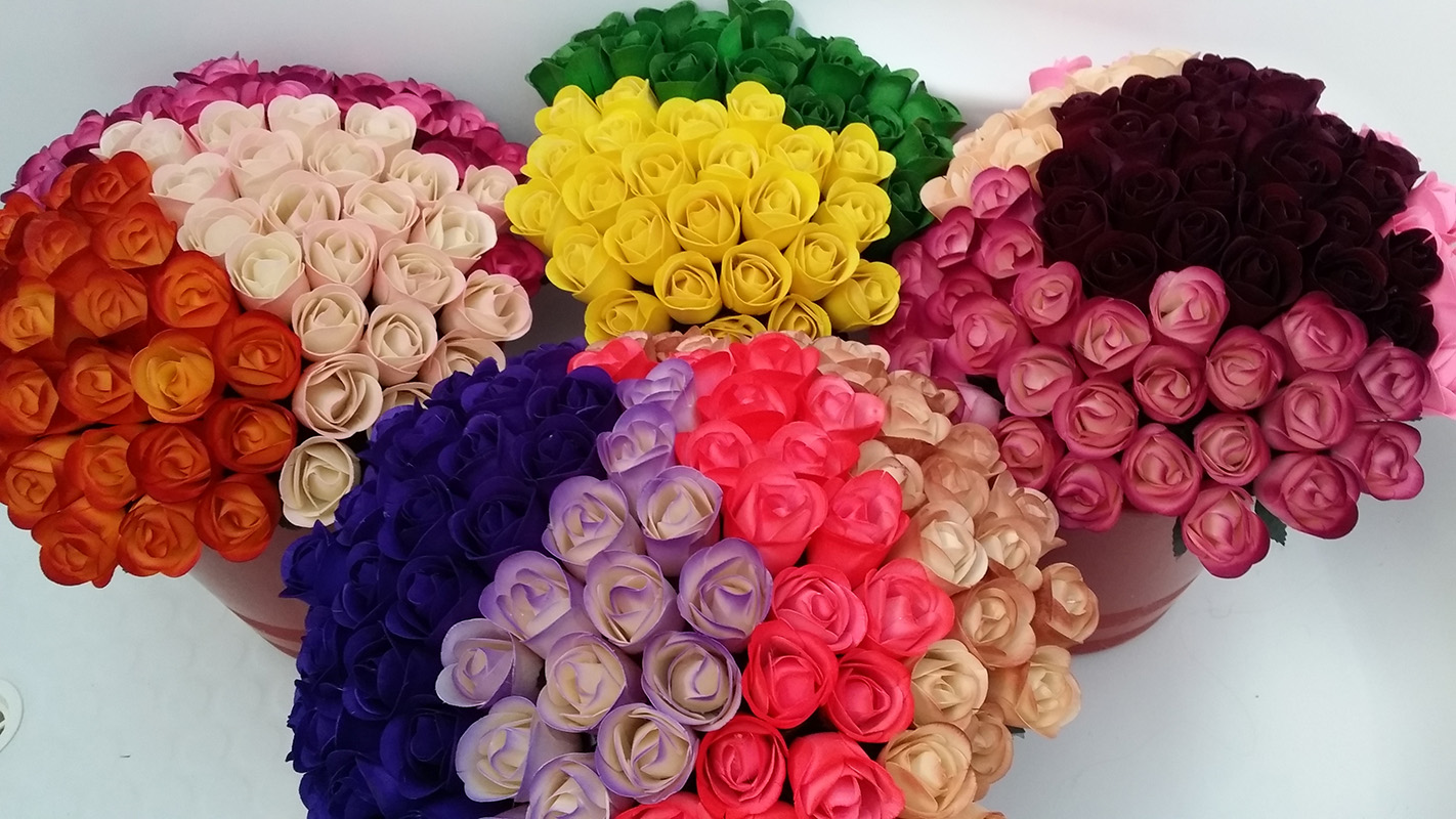 Half Open Wooden Roses Box Of 600